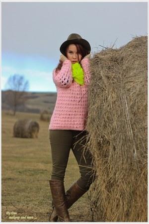handmade sweater - Zara hat - Bershka scarf - Stradivarius pants