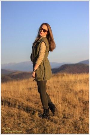 VESSOS jacket - Pull & Bear leggings - Stradivarius vest