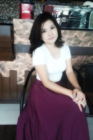 Topshop t-shirt - burgundy maxi vintage skirt