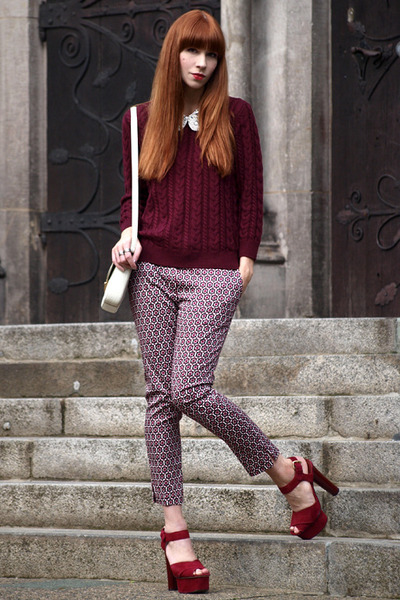 maroon knitted H&M jumper - white Bimba & Lola bag - maroon patterned H&M pants