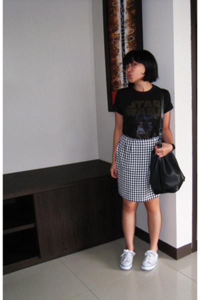 Junk Food t-shirt - skirt - vintage purse - vintage
