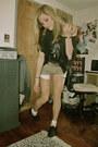 Dark-khaki-corduroy-vans-shorts