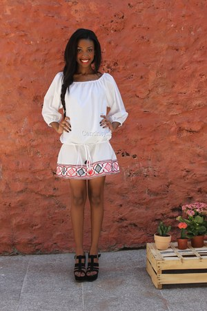 white dress - black Ebay wedges
