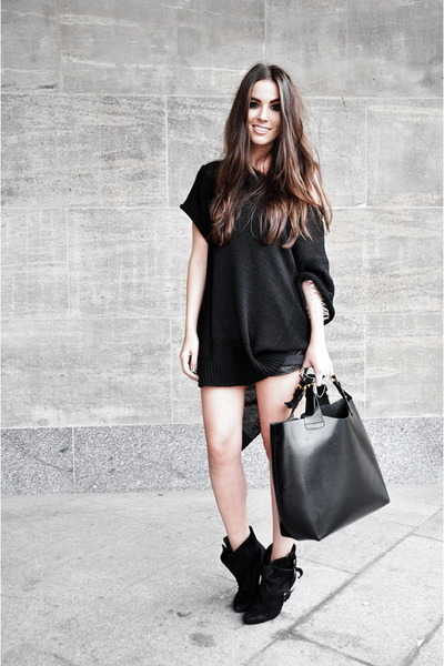 black buckle Givenchy boots - black leather look Zara shorts