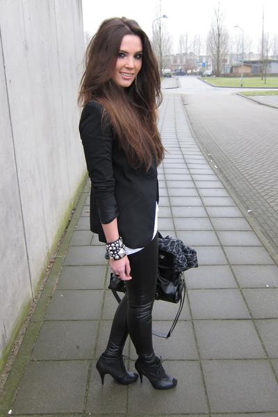 black ankle peep toe H&M boots - black Zara blazer