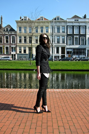 black vivienne westwood jeans - black Zara blazer - black Zara heels - heather g