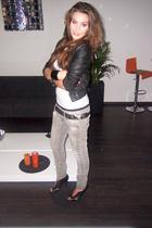black peep toe Zara shoes - gray skinny Bershka jeans - black leather H&M jacket