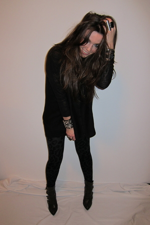 black H&amp;M cardigan - gray h&amp;m divided leggings - black H&amp;M t-shirt - gray Zara b