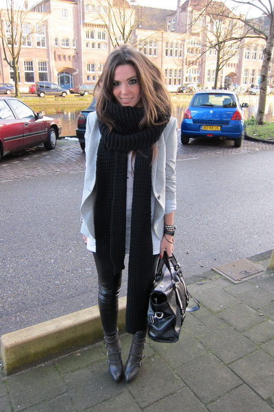 gray Zara blazer - gray buckle Zara boots - white H&M t-shirt