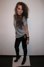 Black-topshop-pants-gray-zara-top-black-topshop-boots