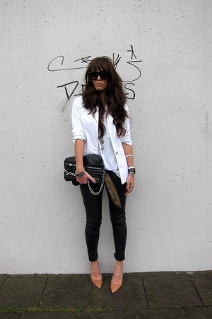 white Zara blazer - beige heels Zara shoes - beige nude lipstick YSL leggings