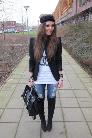 white chanel Zoe Karssen t-shirt - black overknee Zara boots