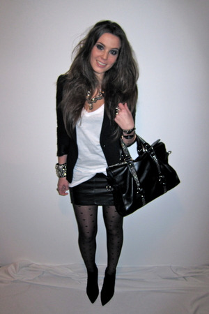 black h&m divided skirt - black Zara blazer - white H&M t-shirt - black Zara boo
