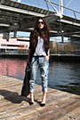Light-blue-boyfriend-jeans-ichi-jeans-black-zara-blazer-black-dior-sunglasse