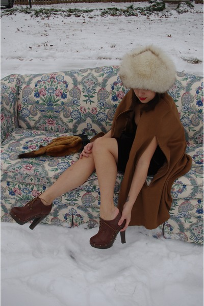 brown vintage dress - white Vintage fur from USSR hat - bronze Vintage mink scar