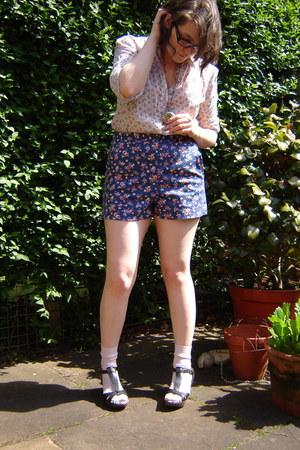 Cath Kidston shirt - Topshop shorts - H&M socks - Topshop necklace - River Islan