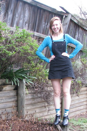 black dress - teal Dangerfield socks