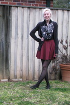 maroon skirt - nude pattern scarf - black cardigan - black print stockings