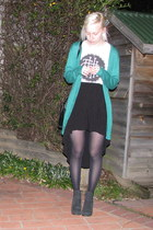 green cardigan - black boots - black skirt