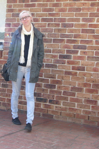 light blue jeans - dark khaki jacket - black shirt - ivory scarf - black bag