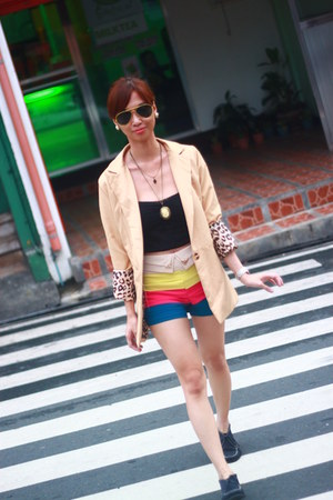 Pill clothing shorts - Moschino shoes - Greenhills blazer