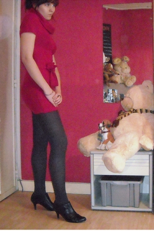 red SOliver dress - gray unknown brand tights - black unknown brand shoes - silv