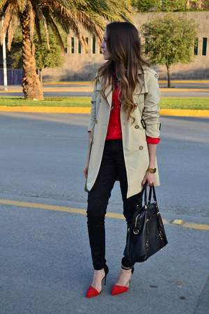black leather Michael Kors bag - beige trench coat Zara coat