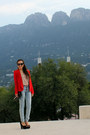 Light-blue-h-m-jeans-red-century21-blazer