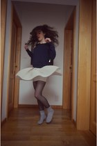eggshell The Kooples skirt - heather gray socks - blue lUI jO sweatshirt