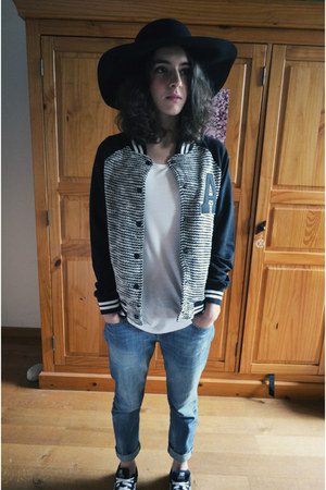 black Galeries Lafayette hat - blue liu jo jeans - black Mango jacket