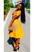 carrot orange Cameroon dress - black Shoe Dazzle sandals