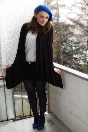 black Esprit blazer - gray H&amp;M t-shirt - black MNG skirt - blue Tango shoes - bl