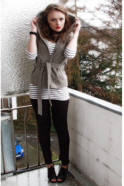 white Vero Moda shirt - gray Saint Tropez cardigan - black H&M leggings - black