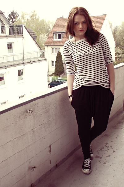 white Vero Moda t-shirt - black Converse shoes - blue Only jacket