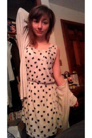 cream cardigan - kitty print dress