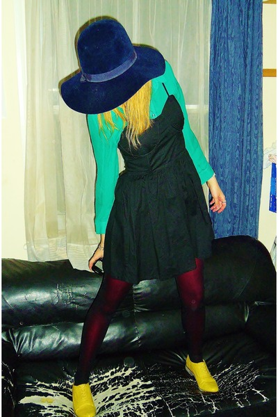 yellow brogues Primark shoes - black new look dress - navy felt vintage hat