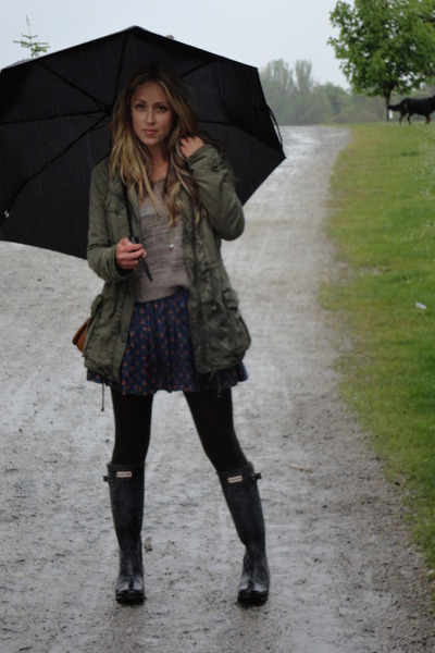 dark gray rain Hunter boots - navy worn as skirt Jack by BB Dakota dress - green