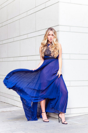 blue maxi bcbg max azria dress