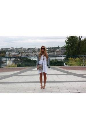 white white dRa dress