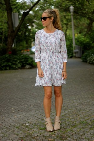 light pink floral Anine Bing dress