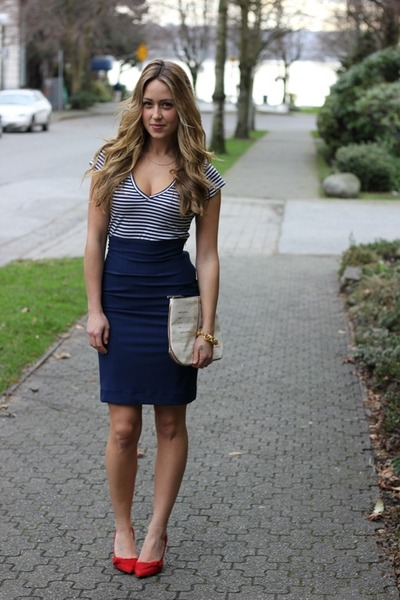navy pencil Chanellub Couture skirt - red scarr pumps Aldo heels