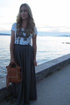 gray maxi Zara skirt - off white cotton maison scotch shirt