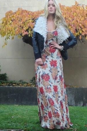red floral Winter Kate dress - dark gray shearling Style Stalker jacket