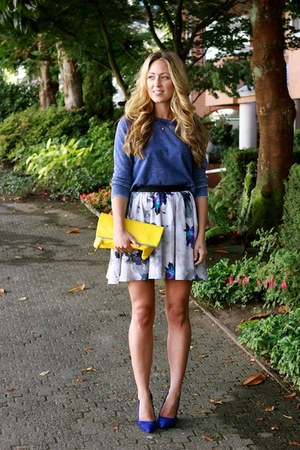 blue floral Stylestlaker skirt - yellow leather Clare Vivier bag