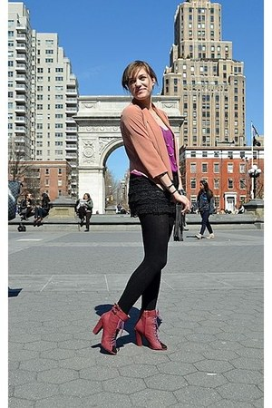 brick red boots