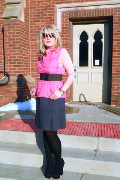bubble gum Old Navy vest - light pink The Limited shirt - navy H&M skirt