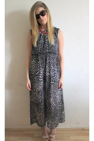 Monki dress