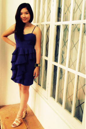 purple xSML dress - black Hermes bracelet - beige Charles and Keith shoes