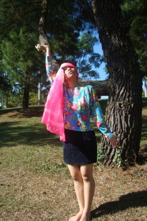 Menorrr scarf - amerie blouse
