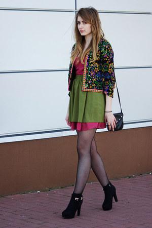 green Romwecom blazer - black dressvenus boots